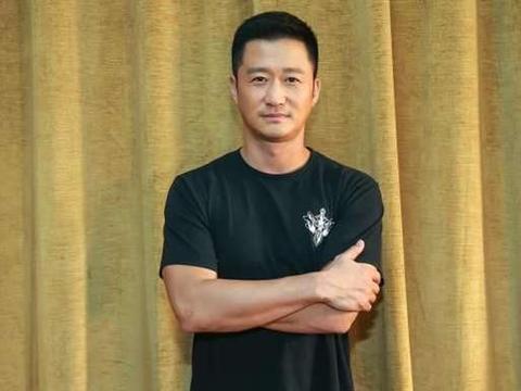 为拍戏卖房的导演:吴京为《战狼》2次卖房,高亚麟为帮朋友