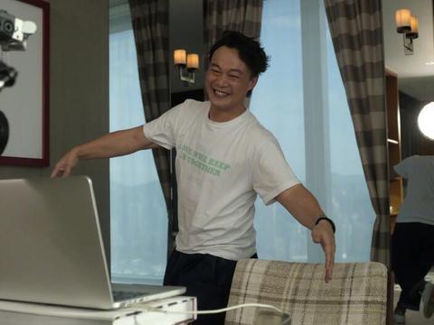 陈奕迅与Adidas解约后,车内发呆长达1小时,疑患上抑郁症