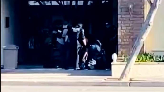 美国加州发生大规模枪击致至少4死2伤,嫌犯被捕送医