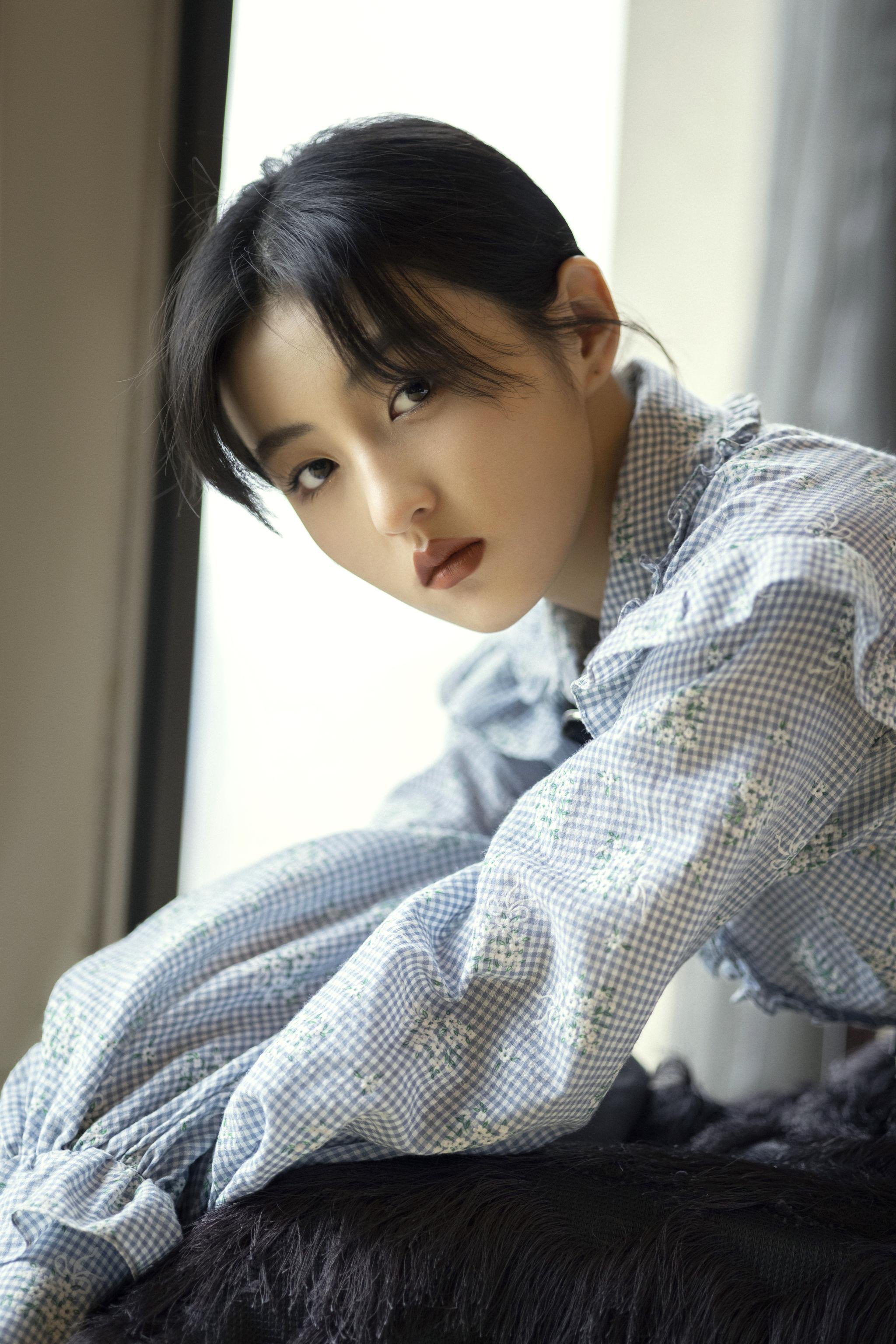 张子枫出席电影《我的姐姐》首映礼……