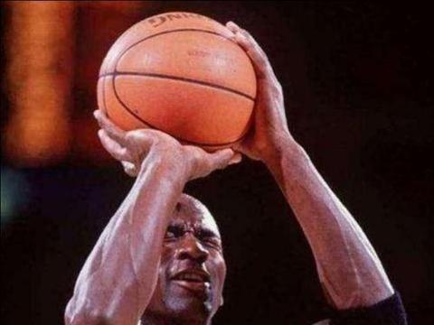 NBA极致装X时刻:乔治半场自信三分,库里三分大赛无形装X