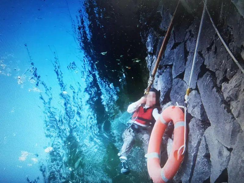 直播招商:浙江台州2名少年用竹竿救起落水女童