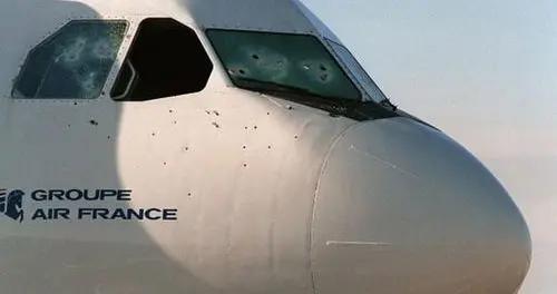 法国航空被歹徒劫持,飞机173人死里逃生,最成功的反恐行动