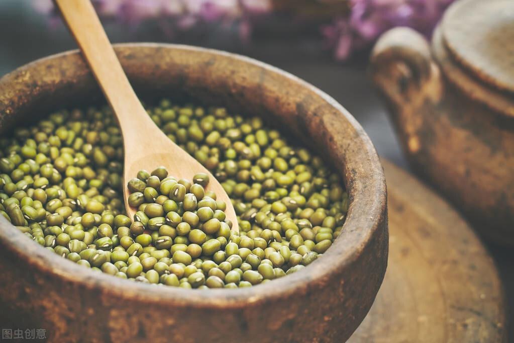 天热了喝绿豆汤,不要直接下锅煮,教你一招,5分钟绿豆煮开花