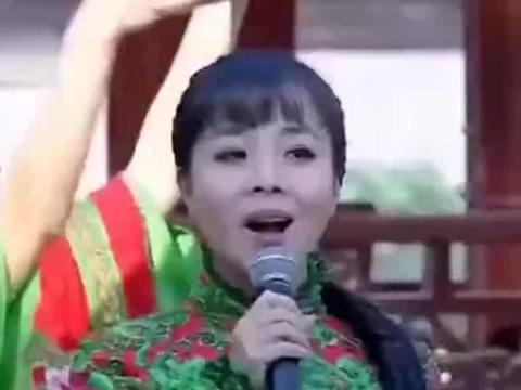 王二妮的这首歌太火了,第一次看现场版,有点激动