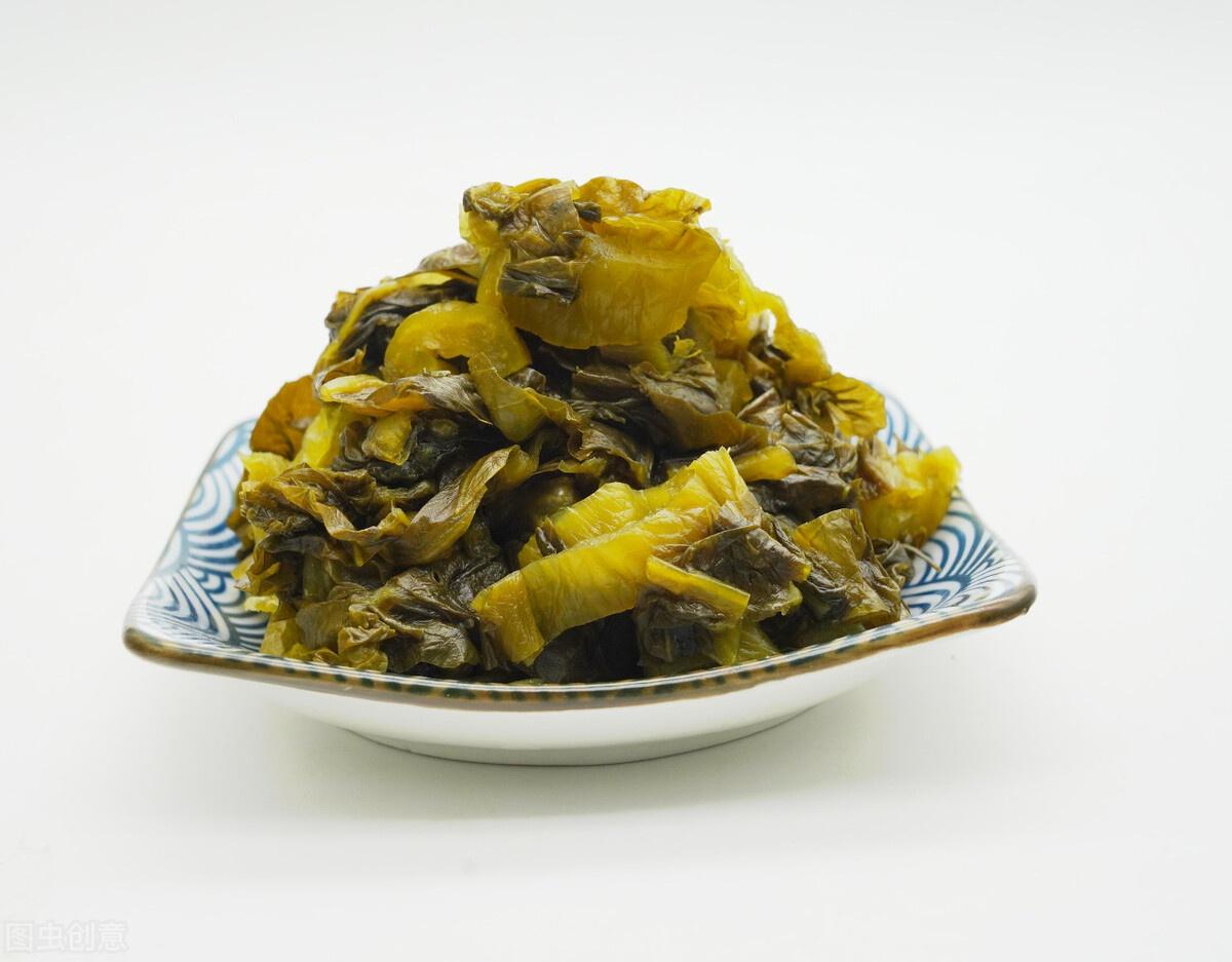 想吃酸菜不用买,2分钟教会你做法,口感又酸又脆,放久了也不烂
