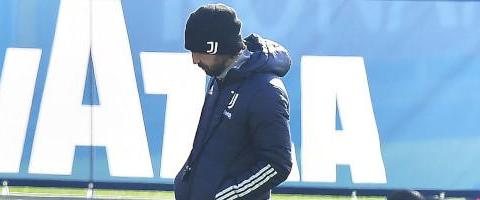 尤文图斯人手紧缺,皮尔洛或让贝司机踢后卫、达尼洛踢中场