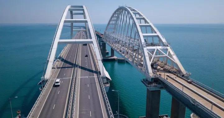 战争前奏,乌克兰部署导弹锁定克里米亚大桥,想打断俄军援军路线