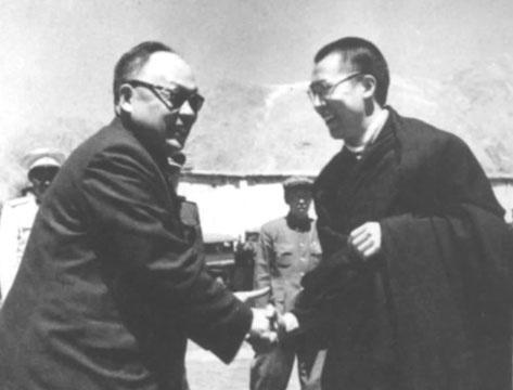 经常看到陈毅元帅戴着墨镜,这是为什么呢?