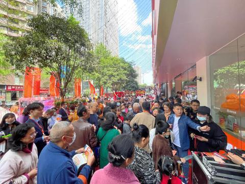 龙湖首个塘鹅租售旗舰店亮相成都,聚合多样服务回馈社区