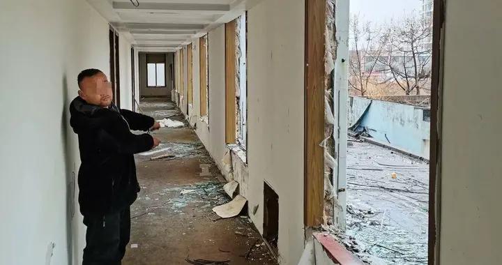 办公楼铝合金窗全被盗 小贼销赃谎称揽了个拆迁活