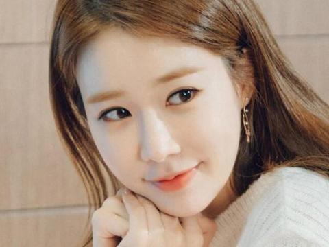 如何评价韩国女演员刘仁娜刘仁娜与李栋旭在一起了吗