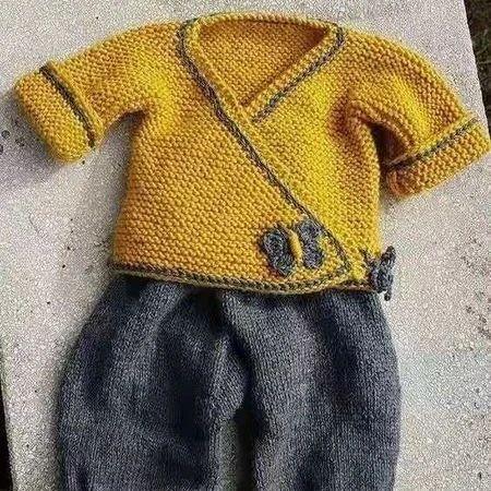 带有中国风味道的婴儿棒针对襟服(有编织说明)