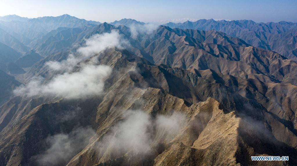 Aerial photo taken on April 5, 2021 shows the scenery of mountains in the Heishan Gorge area in Zhongwei City, northwest China's Ningxia Hui Autonomous Region. Heishan Gorge is located in the upper reaches of the Yellow River, with a total length of over 70 kilometers. (Xinhua/Feng Kaihua)