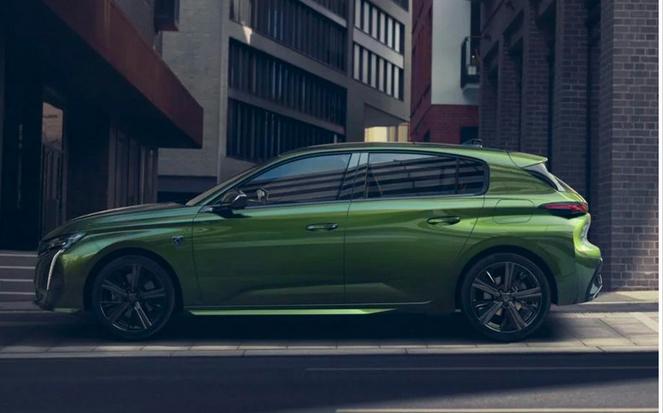 1.6T+8AT,标致308亮相,新车标+2.7米轴距,比大众GOLF霸气