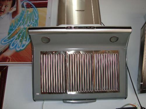 巧用家里小物件,用它们来洗油烟机,一年就能省不少洗涤剂的钱!
