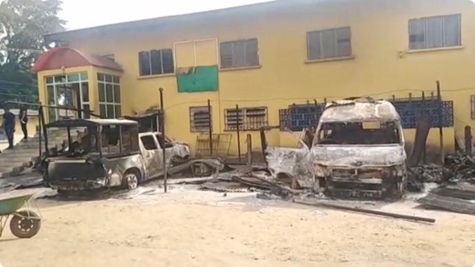 尼日利亚一监狱遭袭,1800余名囚犯越狱