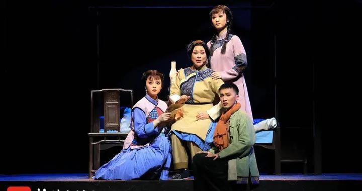 作为全省唯一入选新创剧目,常州原创锡剧《烛光在前》将代表江苏晋京展演