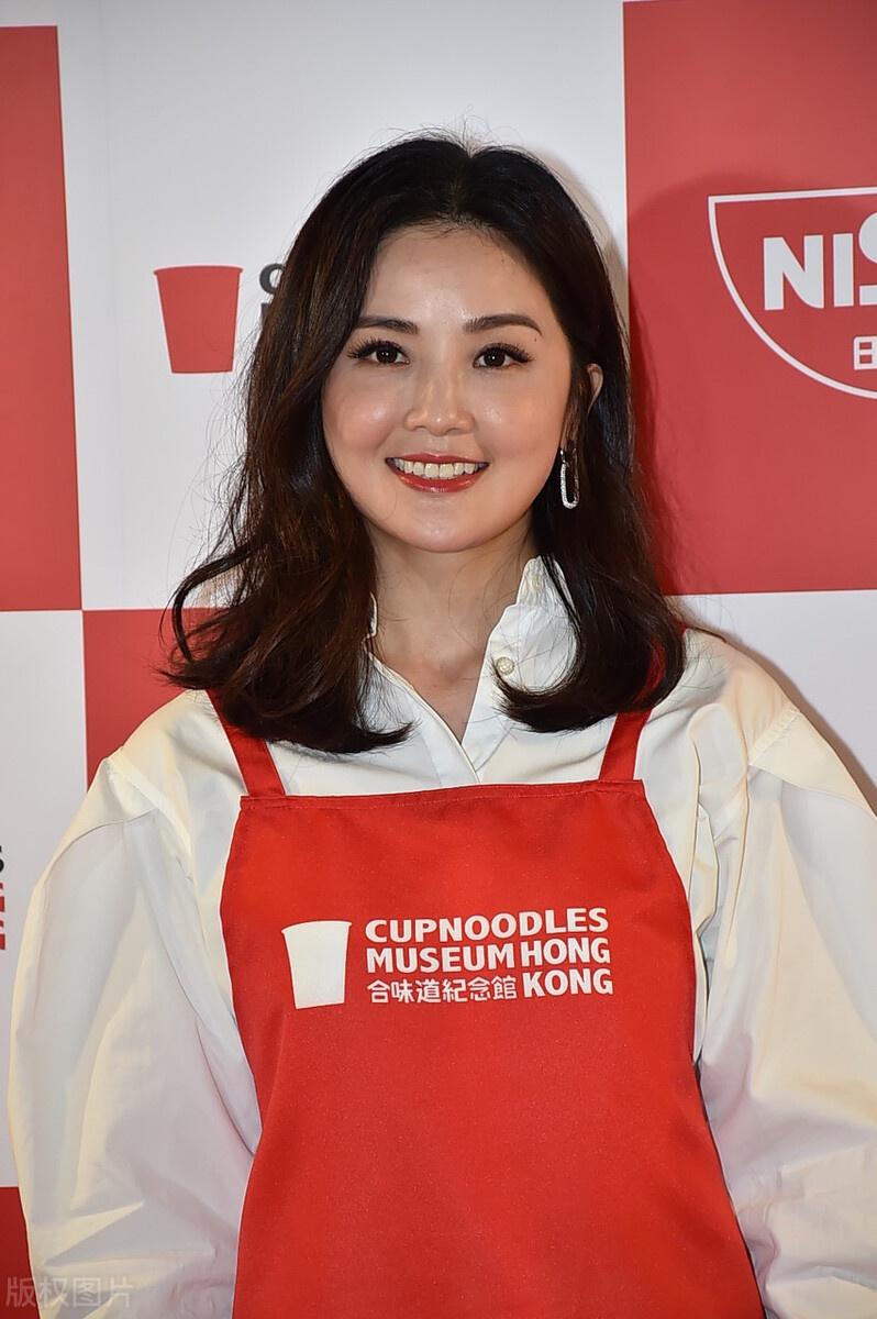蔡卓妍亮相,魅力风采,她的样子很美