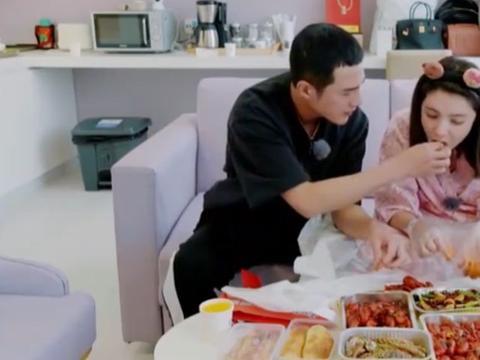 孕妈产前放纵:麦迪娜吃小龙虾、王斯然吃麦当劳,生娃前吃啥好?