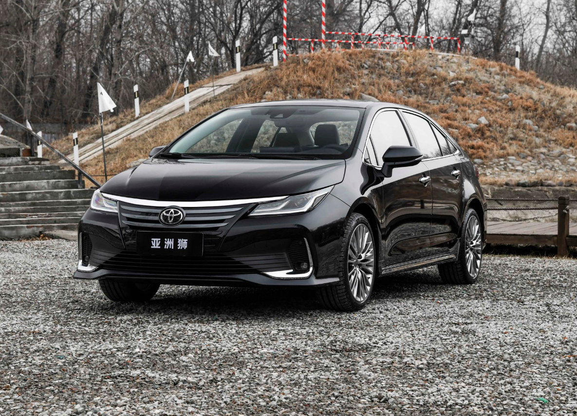 """丰田、比亚迪领衔,多款新车抢在上海车展前上市,都是""""狠角色"""""""