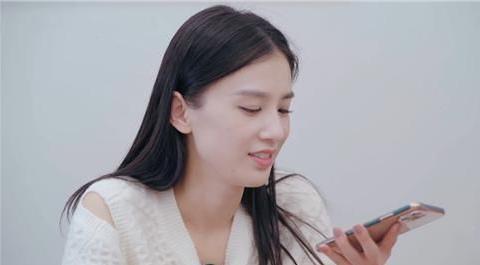 """黄圣依与杨子的""""情侣手机壳""""火了,得知价格后,网友:买不起"""