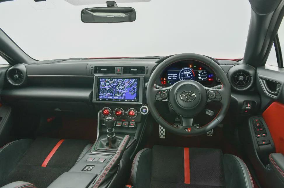 最大功率235匹,全新丰田GR 86发布,内饰升级更显实用性