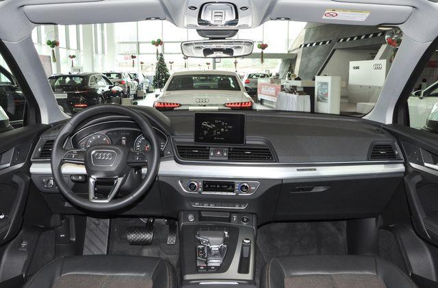 30多万豪华SUV,轿跑风格+游艇内饰,4秒多破百,全面压制Q5L