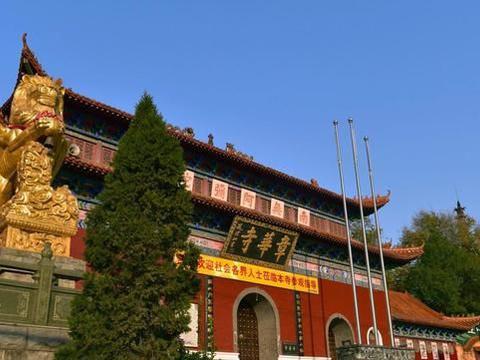 湖北三大丛林之一,整座寺庙布局结构是宫廷式建筑格局