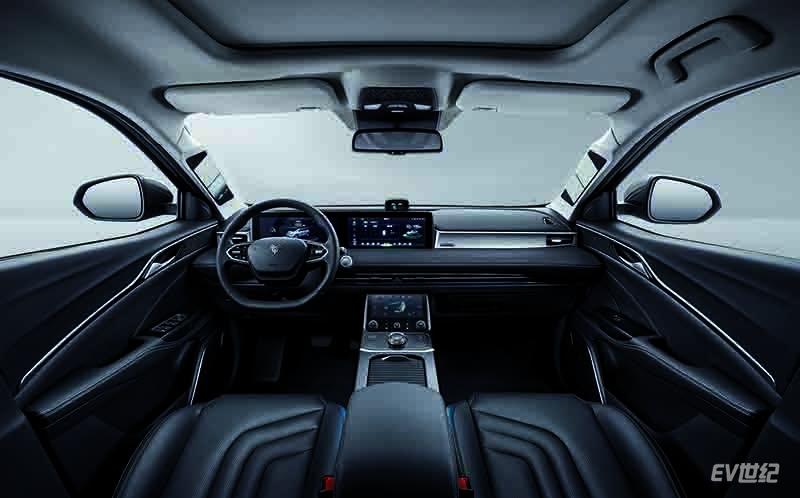 哪吒U Pro将于上海车展上市 续航1100km旗舰车型将亮相