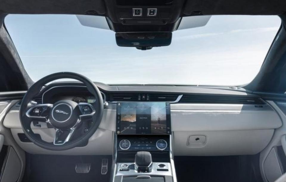 全新捷豹XFL内外大变,配备无边框中控屏,上海车展亮相