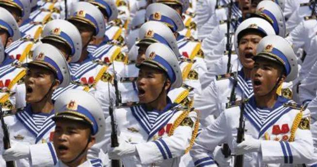 详解越南正规军军官军装,常服礼服多达7套,迷彩服只有一套