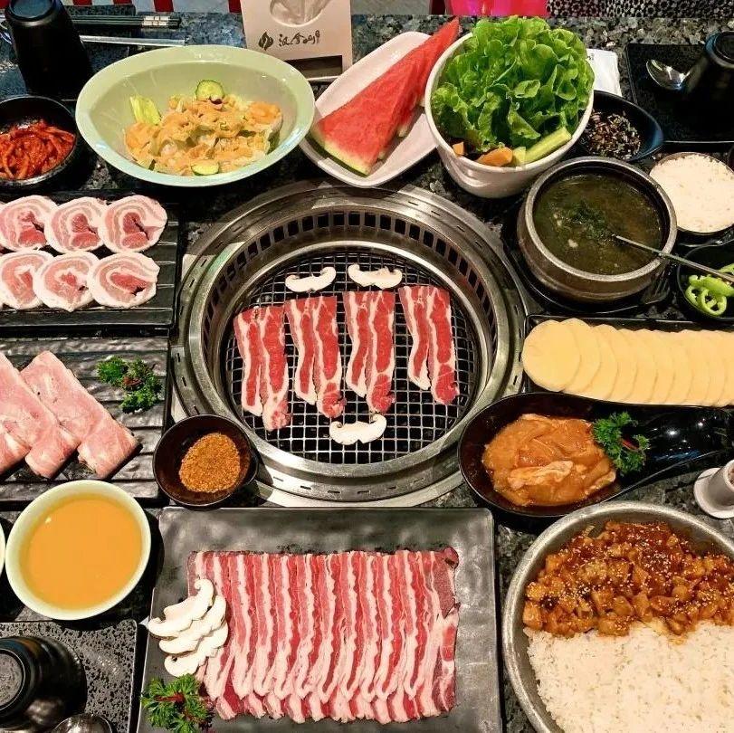 汉拿山118元2-3人餐,烤牛五花烤五花肉烤鸡腿肉等丰富菜品,生菜不限量,超值特惠,吃到满足!