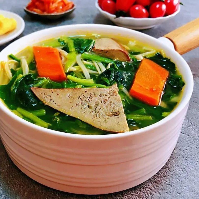 猪肝菠菜汤,营养丰富,全家老小都爱吃!