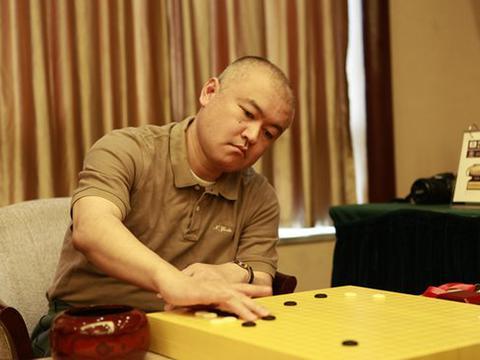 聂卫平一口气喝8瓶,常昊喝倒日本棋圣
