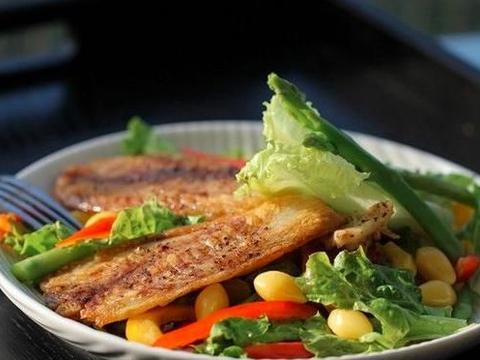 教你在家做低脂香煎鲷鱼沙拉,十分钟搞定的低卡低脂餐大推荐!
