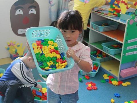 """幼儿园拟定开展""""牙齿变干净""""创意主题活动"""