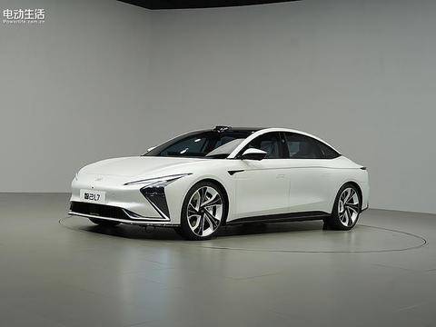 智己L7抢先实拍!体验豪华、智能化时代新车