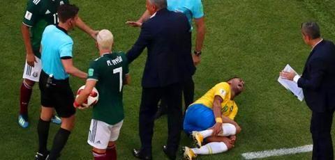 足球场上只有4种情况算死球 守门员抱球不在其中