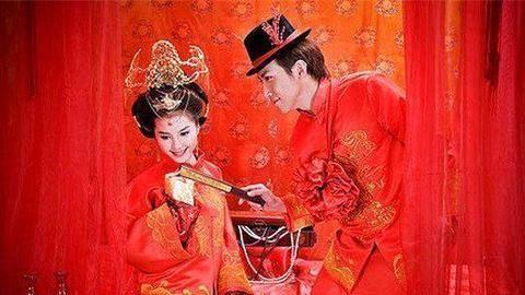 过去婚礼丰富多彩的习俗