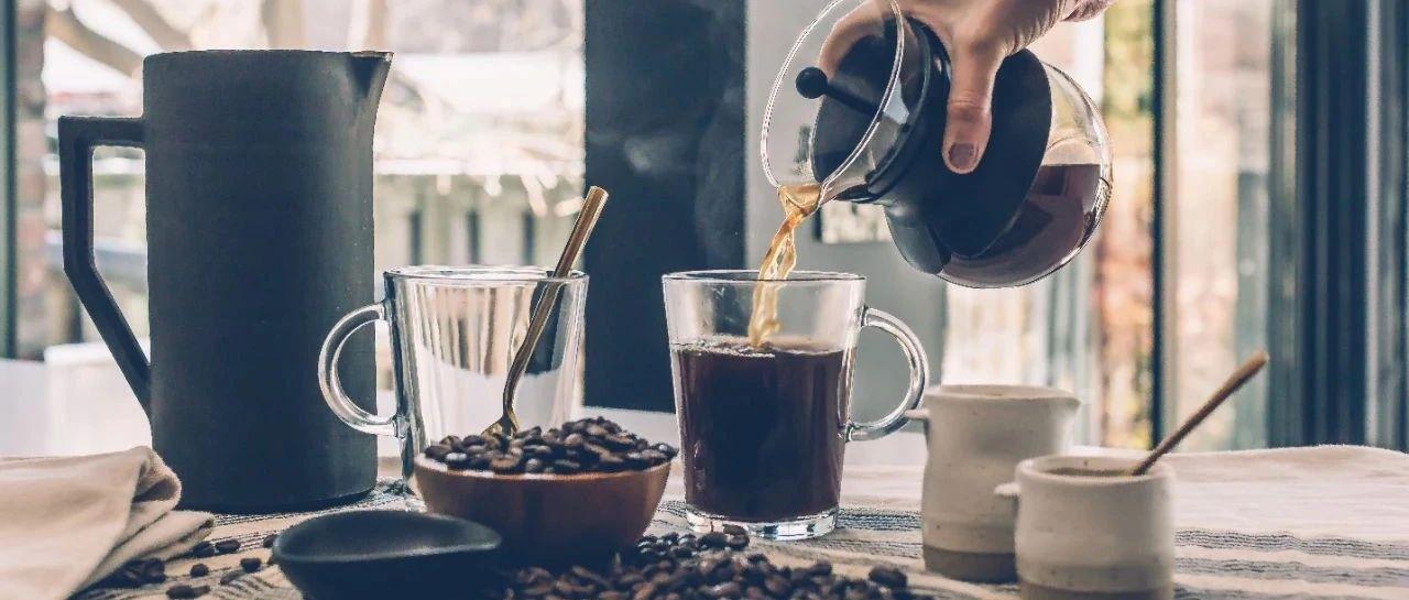 我们找了五款云南咖啡,有人尝出了恋爱的酸苦味