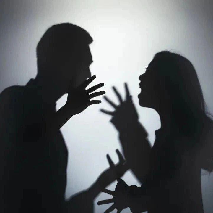 男子欠女友钱争吵不休,其室友竟绑架该男子逼其还债