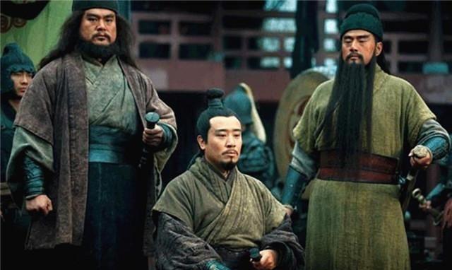 诸葛亮临终前刘禅问了一个问题,他听后醒悟,原来刘禅在装傻