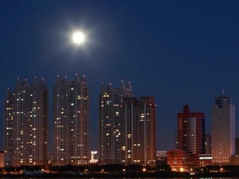 黑龙江一县级市,由绥化代管,石油储量2亿吨,天然气储量4亿方