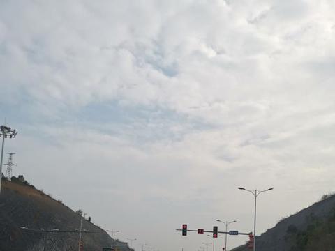 永州这条路应该取消红绿灯?还有些缺点你知道吗