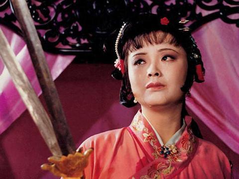 尤三姐是贞洁烈女,还是放浪形骸,曹雪芹4字写出林黛玉惊天冤案