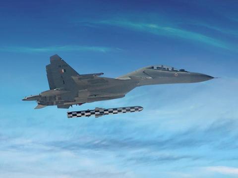 战斗机的油箱究竟有多大?其实整架飞机到处都是油箱