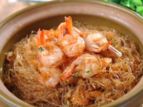 鲜虾粉丝煲,鲜香软嫩的家常菜,顺滑Q弹又爽口,佐酒下饭超美味