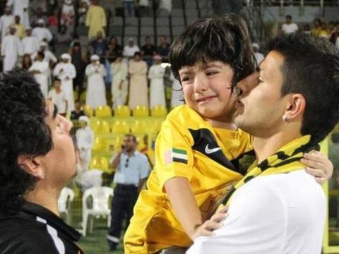 阿圭罗儿子透露父亲下家:梅西所在的球队是最大热门