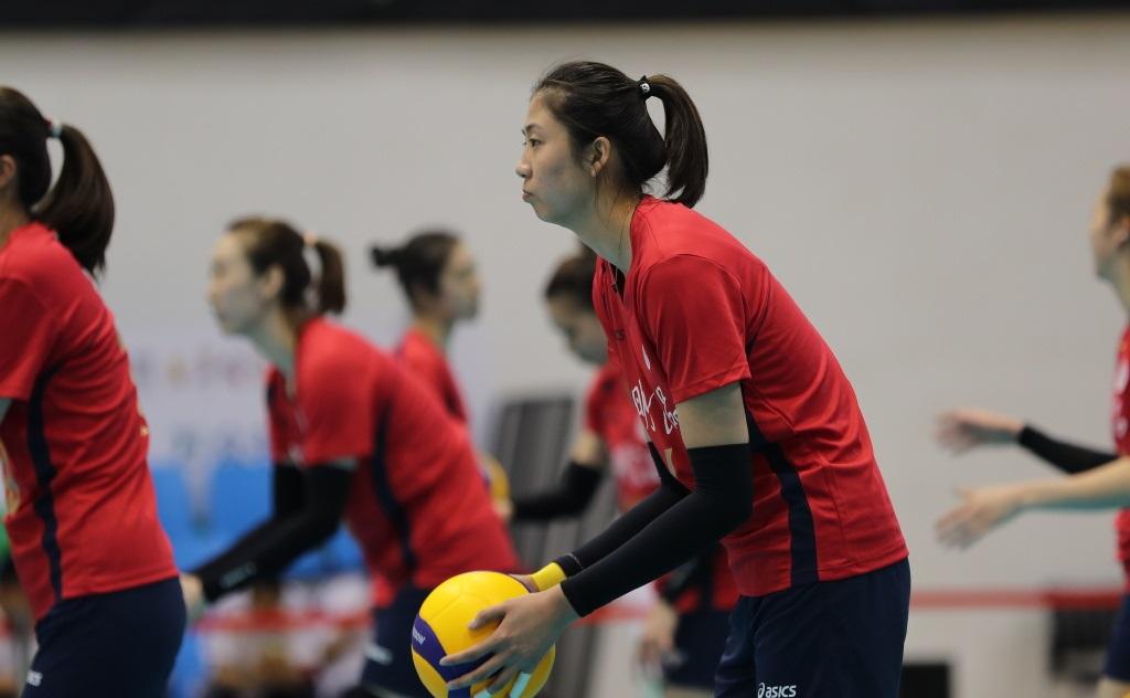 天津女排击败上海队,取得四连胜,奠定B组头名位置